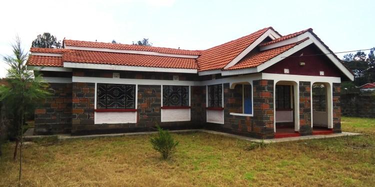 Building a house in Kenya