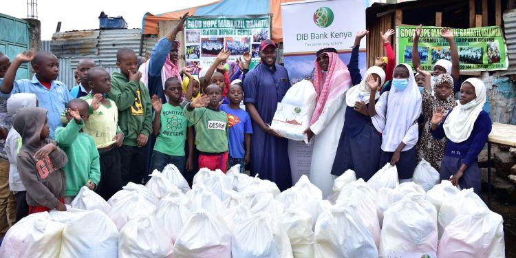 DIB Bank Kenya donates food to vulnerable families during Ramadhan - Bizna Kenya