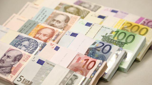 Strach przed odrzuceniem płatności. Jedna trzecia Czechów boi się używać karty za granicą