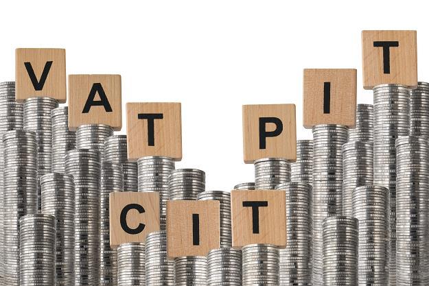 MF: Limit 15.000 zł a koszty w księdze podatkowej