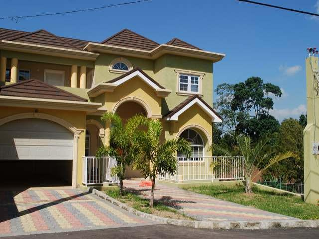 Spacious 2-bedroom townhouse located in a lush gated community