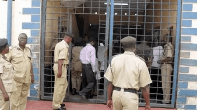 Osun State Governor Grants Amnesty To 34 Inmates