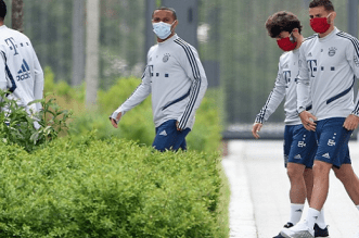 German Sports Doctor Cautions Footballers