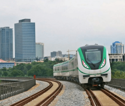 FG Abandons Chinese Bank, Targets Standard Chartered For $14.4bn Rail Projects