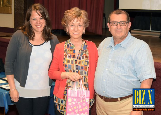 Kidney Foundation thanks Elizabeth Nagy (middle)