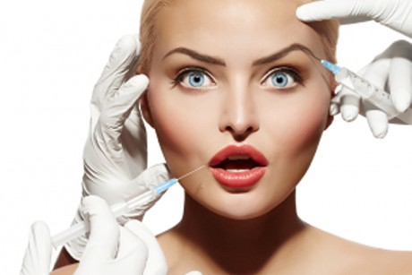 Leliminazione di età pigmentary nota su una faccia