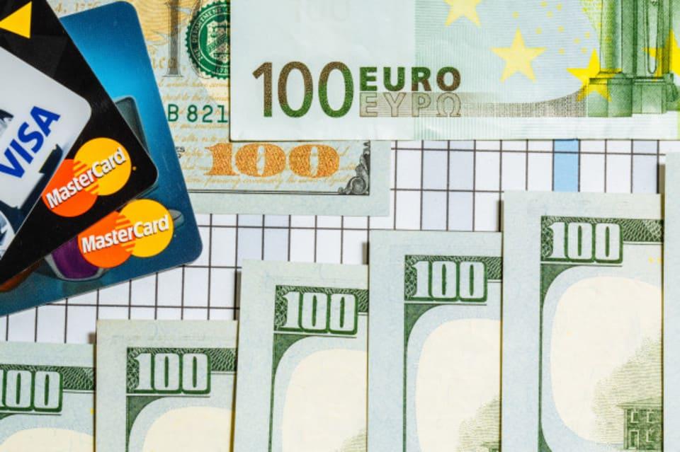 Чим відрізняється Visa від MasterCard