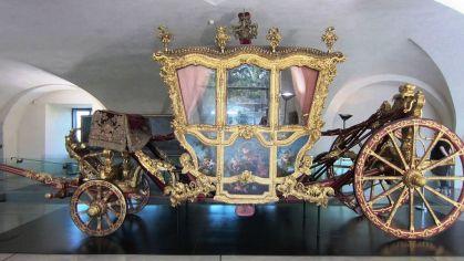 Arcidiecézne múzeum- biskupský kočiar z 18. storočia.
