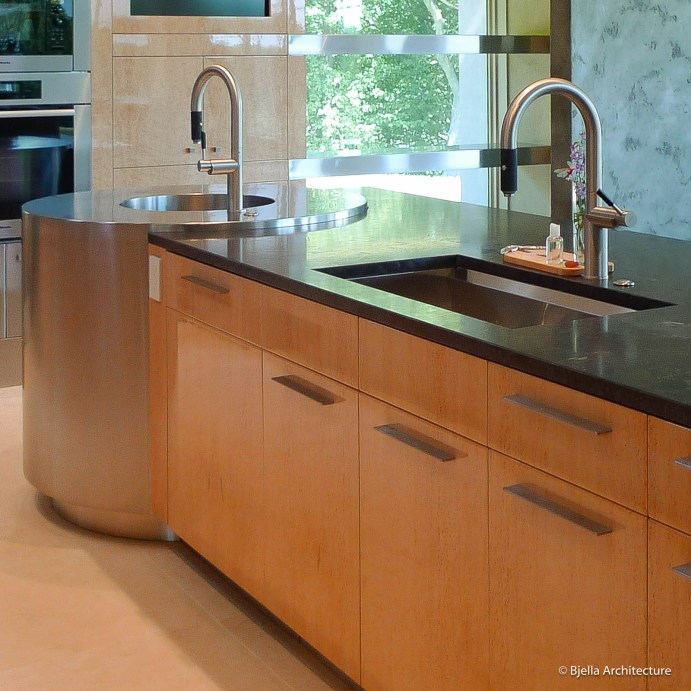 Modern Maple Kitchen with Embedded Stainless Steel Preparation Counter