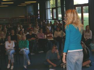 Cecilie Barner Mathiasen til et skolearrangement