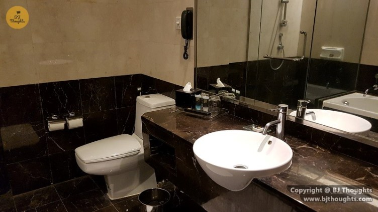 quarantine hotel impiana covid19 bathroom