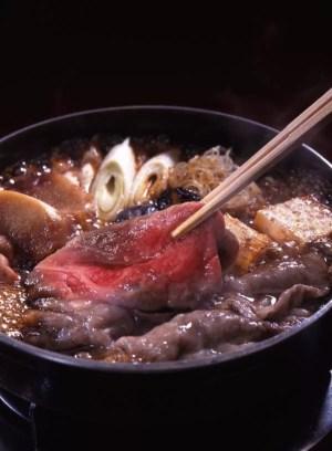 福岡県名物グルメ4仲居さんが作ってくれるお肉屋さんのすき焼き!ちんや