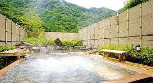 地元の食を味わえる袋田温泉、滝味の宿・豊年万作