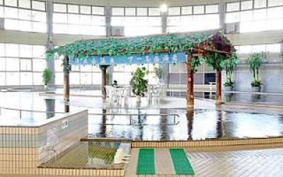家族で温泉プール!かすかべ湯元温泉
