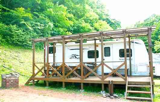 秩父のキャンプ場⑦アメリカンドラマの様なトレーラーハウス!満願ビレッジオートキャンプ場