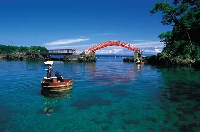 佐渡島観光スポット④たらい舟に乗れる!小木の矢島経島