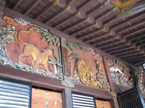 埼玉県秩父神社⑥見どころ:母親としての教訓を伝える「子育てのとら」