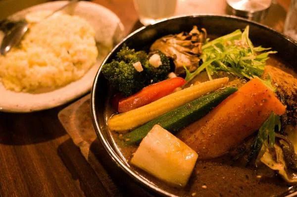 札幌名物グルメ①道産食材で作る!純血道産子スープカレー