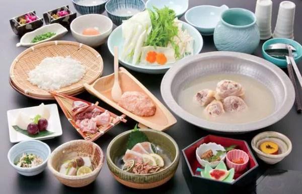 福岡県水炊きランキング①養鶏から自社で!華味鳥