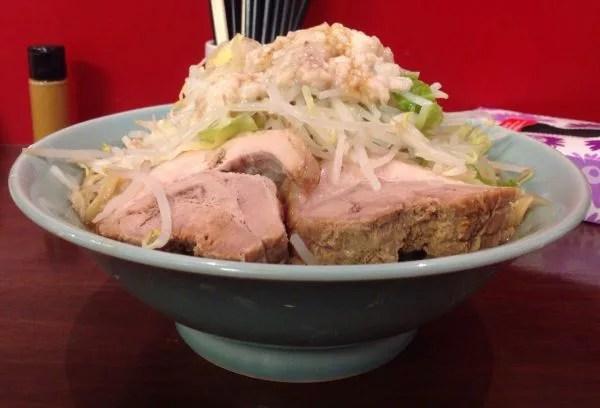 甲府ラーメンランキング②強烈なニンニク臭が特徴!だがそれがイイ!「龍麺 ふえ郎」