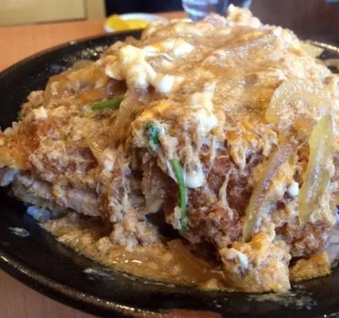 奈良県超大盛りデカ盛りグルメ⑦とにかくすごいボリュームのカツ丼!とんよし