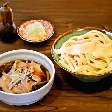 武蔵野うどんランキング④国産食材・化学調味料不使用にこだわったクラシックうどん「福福」