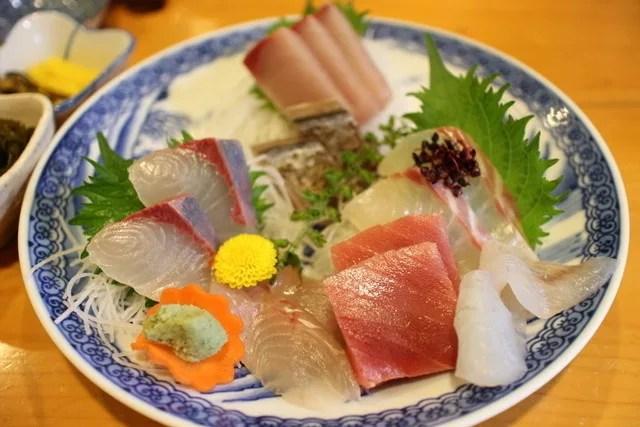 逗子海鮮料理ランキング⑧県外からも客を集める「魚佐」