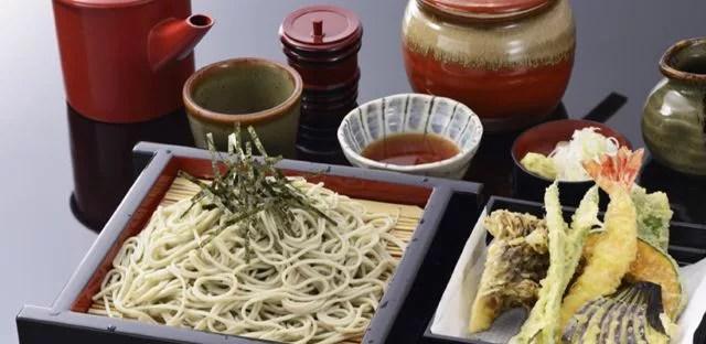 新潟県へぎそばランキング⑦地酒もたくさん「そば処中野屋 湯沢本店」
