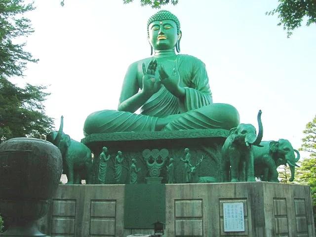 真緑の名古屋大仏がある珍スポット桃巌寺の10の秘密