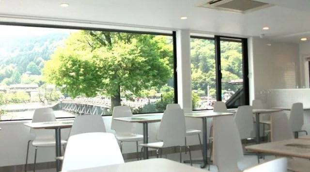 嵐山・渡月橋のトリビア⑦おしゃれなカフェで一休み【CAFÉ DE SALAN】