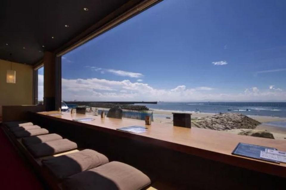 愛知県知多半島の美浜観光スポットランキング⑦選べる、美浜産の具で自分だけのオリジナル釜飯を食べる「納屋」