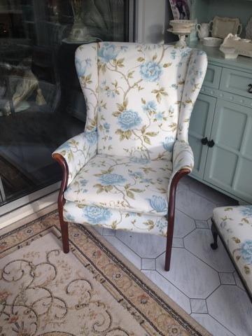 Fine corner chair