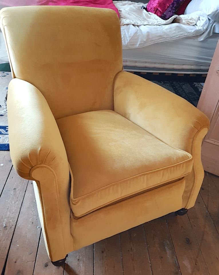 Victorian Chair Gold Velvet2
