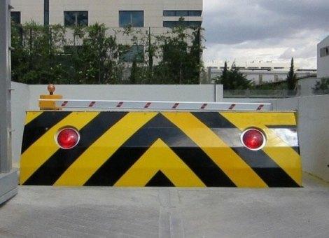 titan-custom-made-road-blocker