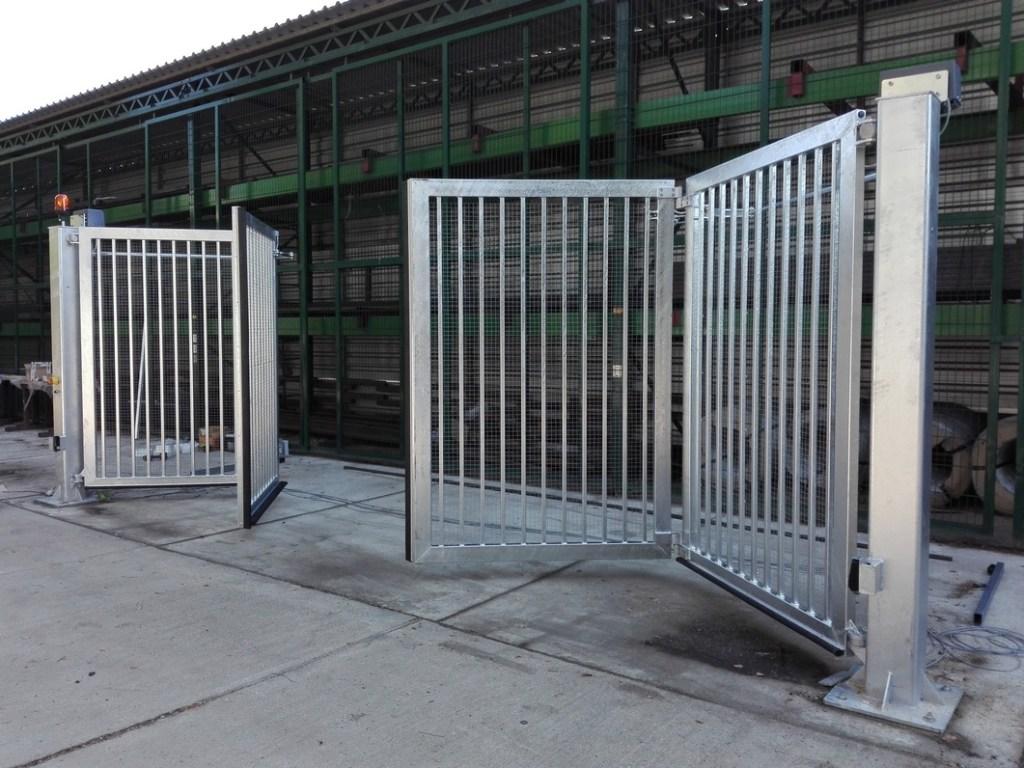 brama przesuwna składana przemysłowa