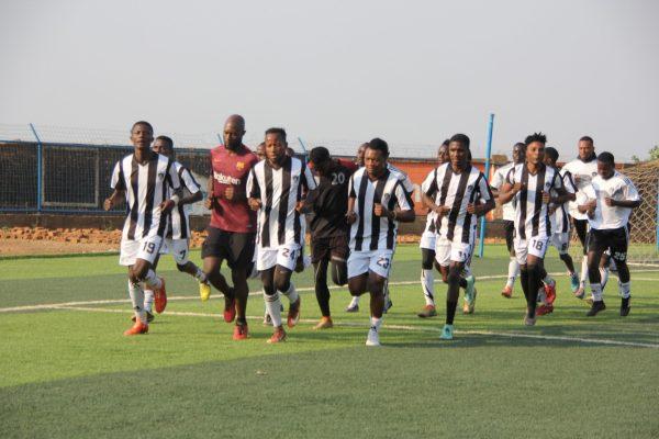 BUKAVU-DAWA : La reprise effective des entraînements sur la pelouse du stade de la concorde de kadutu.(Reportage photos)