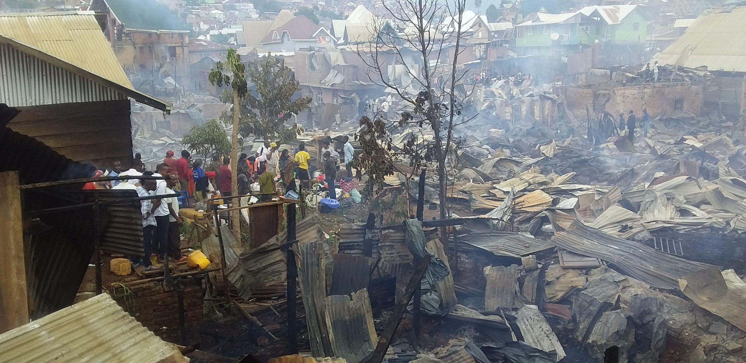 Incendie  de paysage à  Bukavu : «La personne morte est une vieille femme enfermée dans la maison régulièrement suite à  ses incapacités dû  à  son âgé » (Voisins)