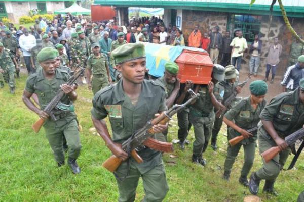 Sud-Kivu : La justice militaire condamne 5 écogardes du PNKB pour meurtre d'un autochtone.