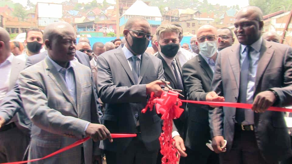 Sud-kivu  : L'ONAPAC a désormais  une  usine de deperchage de café.