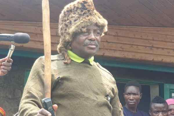SUD-KIVU/PNKB : 12 ans après , une tranche des autochtones du PNKB ont reconnu Dédiéu BYA'OMBE comme protecteur du parc.