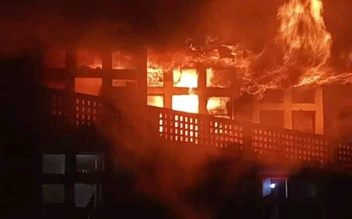 """Incendie à Isp Bukavu : """" Ce sont deux étudiants qui se disputaient un réchaud résistance qui sont auteurs. Voisin de la chambre originaire du feu."""