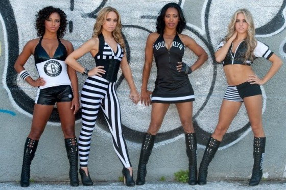 Brooklynettes will teach fitness classes in Fort Greene  Photo: pics.livejournal.com
