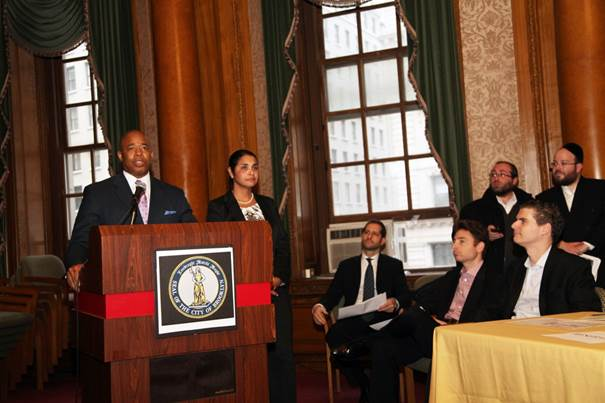 Brooklyn Borough President Eric Adams, joined by  Deputy Borough President Diana Reyna, addresses Jewish community leaders and representatives of City agencies at a pre-Passover community open dialogue in the courtroom of Borough Hall.