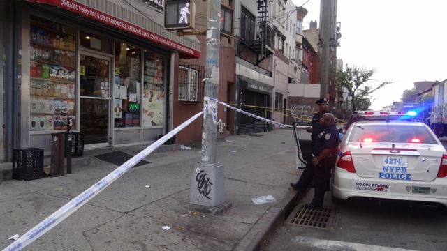 Police are looking for gunman who shot another man on Bedford and Dekalb avenues in Bed-Stuy