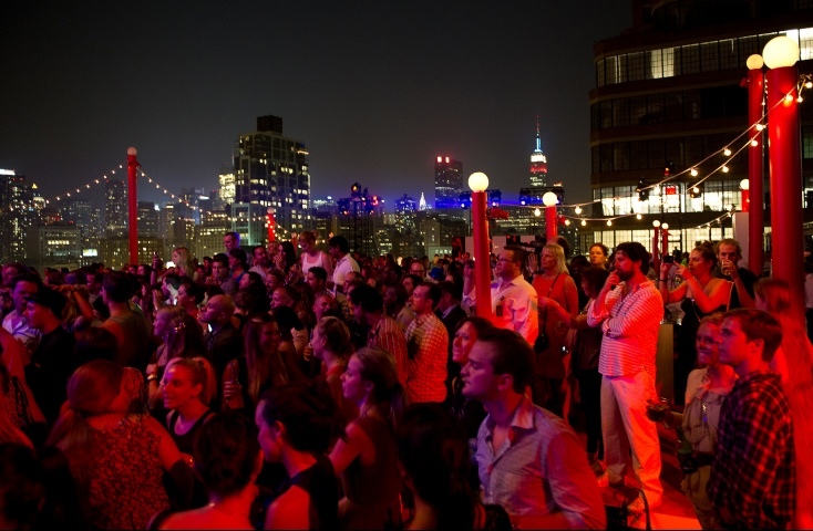 Now this is a rooftop party