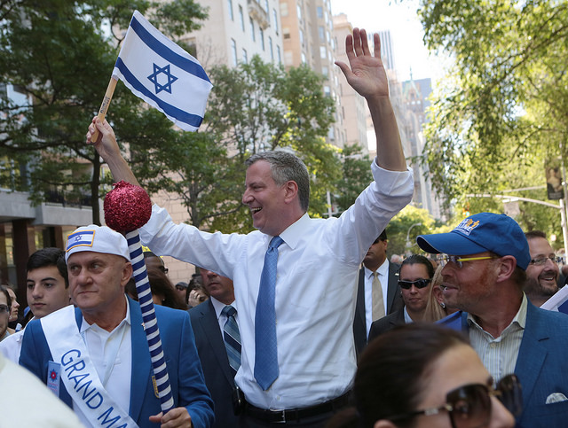 Mayor Bill de Blasio marches in the Celebrate Israel Parade in Manhattan on Sunday, June 1, 2014. Credit: Ed Reed for the Office of Mayor Bill de Blasio