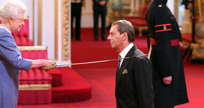 Queen Elizabeth II knighted one of the most successful English horse trainers, Sir Henry Cecil, during an investiture ceremony Photo: theroyalcorrespondent