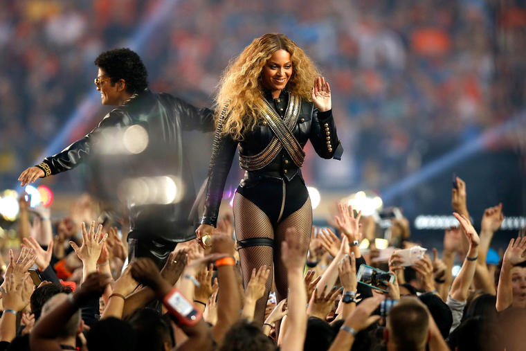 Beyonce and Bruno Mars performed during the Pepsi Super Bowl 50 Halftime Show at Levi's Stadium on February 7, 2016 in Santa Clara, California. (Photo by Ezra Shaw/Getty Images)