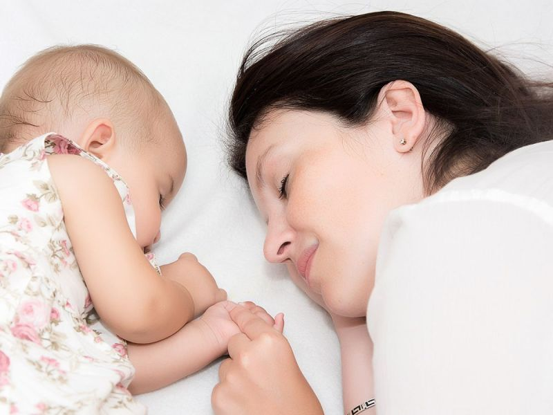 Should Your Baby Share Your Bed