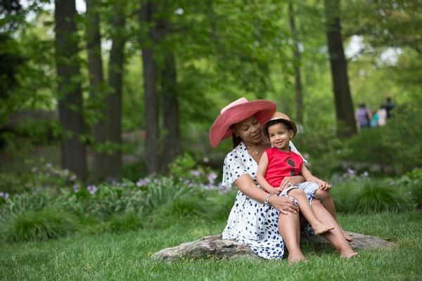 Take your favorite girl on a stroll through the Brooklyn Botanical Garden.